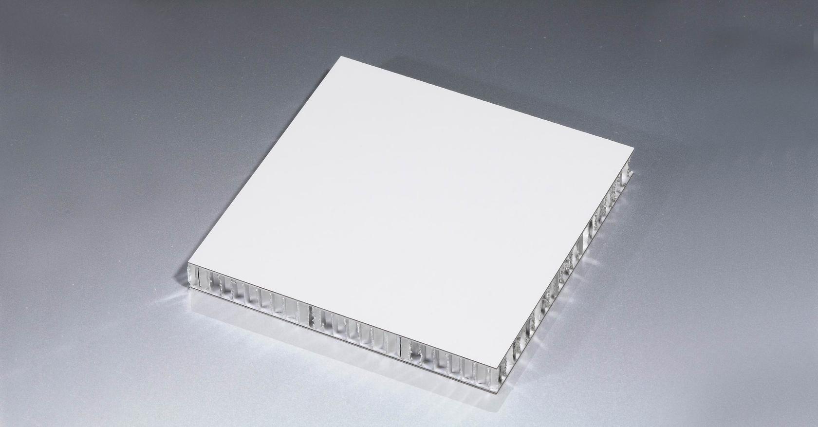 <strong>使用不同胶黏剂不同对隔音铝蜂窝板会有什么影响?</strong>
